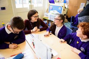 Trung tâm Anh ngữ tuyển dụng trợ giảng tiếng Anh