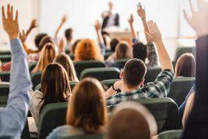 Tư vấn chọn trường đào tạo các ngành bậc đại học uy tín, chất lượng trên cả nước