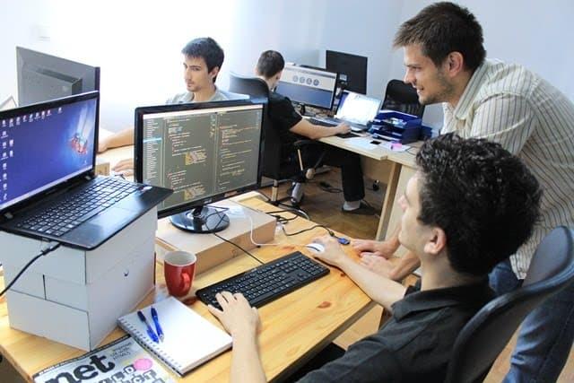 Việc làm ngành IT - ViecLamVui