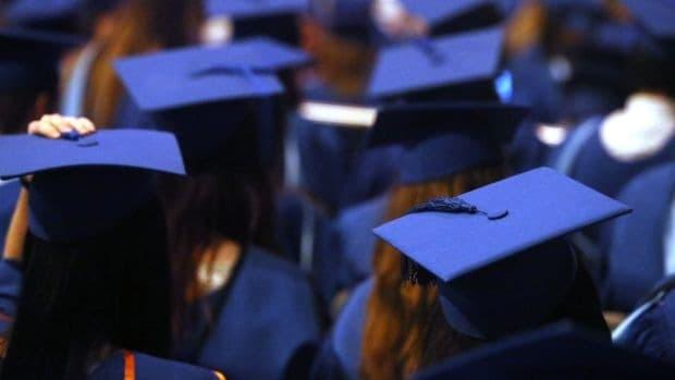 Các trường đại học ra trường dễ xin việc - ViecLamVui